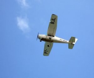 old-single-engine-airplane_2713617