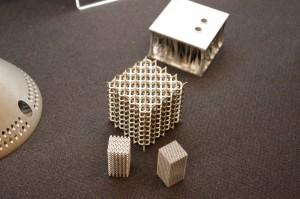 写真2 メッシュ状の造形は切削・成形では難しい