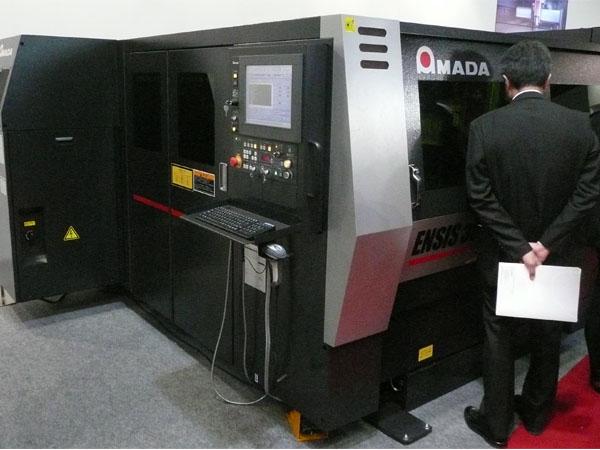 アマダ,2kWファイバレーザで軟鋼板厚25mmの切断を実現