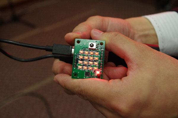 NTT,可視光通信を用いた超多チャンネル集音システムを開発