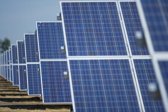 NEDO,太陽光発電普及のための「維持管理の低コスト化」「多用途化」「リサイクル」プロジェクトを開始