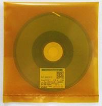 日立化成,FPDの薄型化と高精細化に対応する新たな回路接続用異方導電フィルムを開発