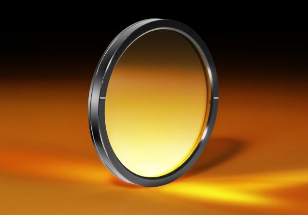 エドモンド・オプティクス・ジャパン,広帯域偏光板など光学製品をラインナップ