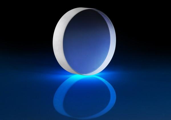 エドモンド・オプティクス・ジャパン,99.9%以上の超高反射率を持つ低損失レーザミラーを販売開始