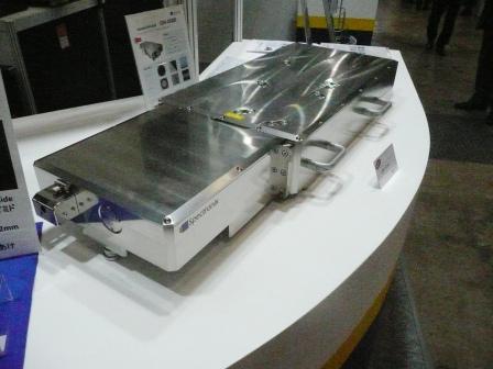 微細加工市場向け高出力ピコ秒レーザ事業を強化へ─スペクトロニクス が発表出力2 W の深紫外ピコ秒レーザ