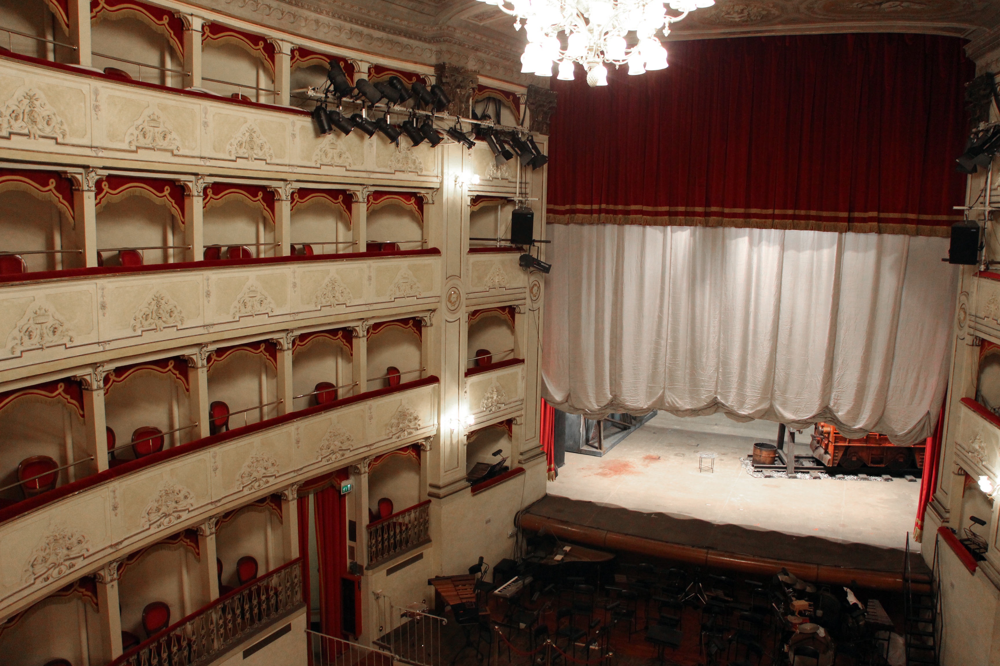 「3D能」を上演したベネチアのゴルドーニ劇場