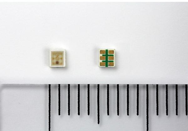 ローム,高密度実装向け高輝度3色LEDを開発