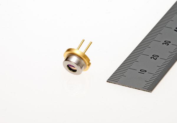 三菱電機,連続駆動光出力2.1W赤色LDを発売