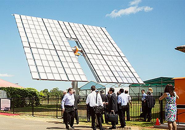 住友電工,豪で集光型太陽光発電の実証実験