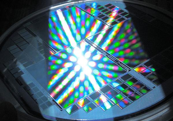 日立化成,半導体向けオープン・ラボの規模を拡大