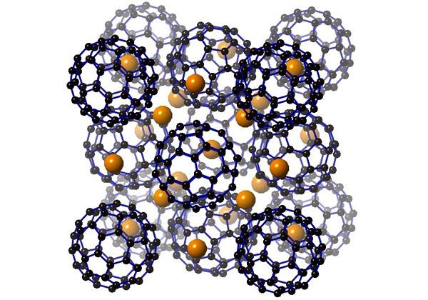 京大ら,分子からなる超伝導体で90テスラを達成