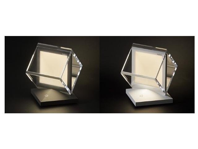 NECライティング,有機EL照明を発売