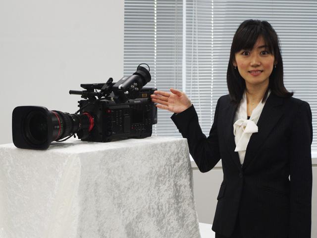 シャープ,世界初8Kカムコーダーを発売
