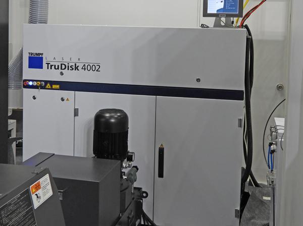 オークマの装置はトルンプのディスクレーザーが採用されている