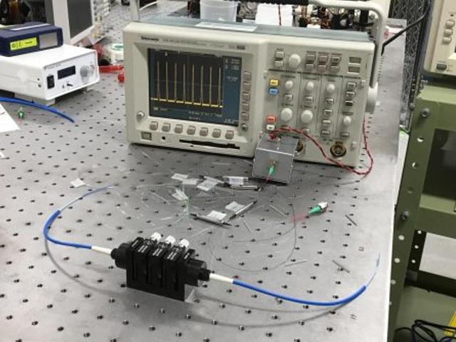 光響,安価なPM型モード同期Erファイバーレーザーを発売